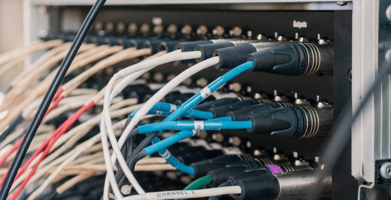 Najpopularniejsze serwery: koszty i ich możliwości