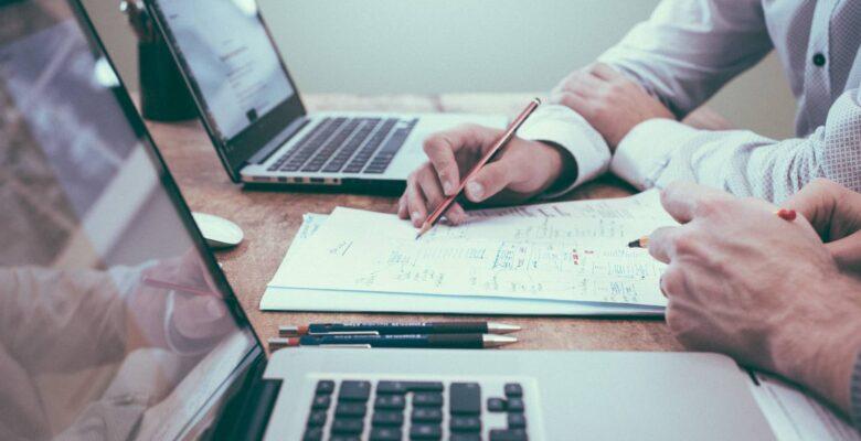 Jak zgłosić biuro rachunkowe do urzędu skarbowego?